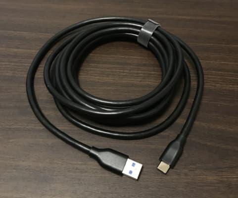 USB3.0のケーブルが少し太い