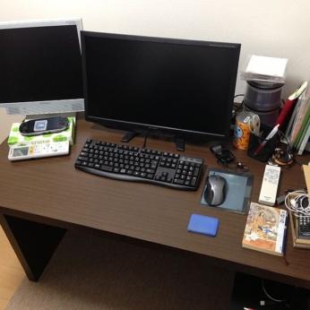 書斎に買った机はかなり広くて快適!ゲキカグ BONワイドデスク単品 W1200mm